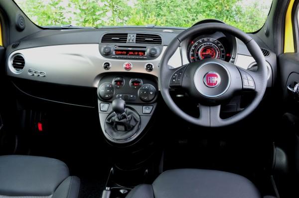 2012-Fiat-500-TwinAir-Interior-600x399