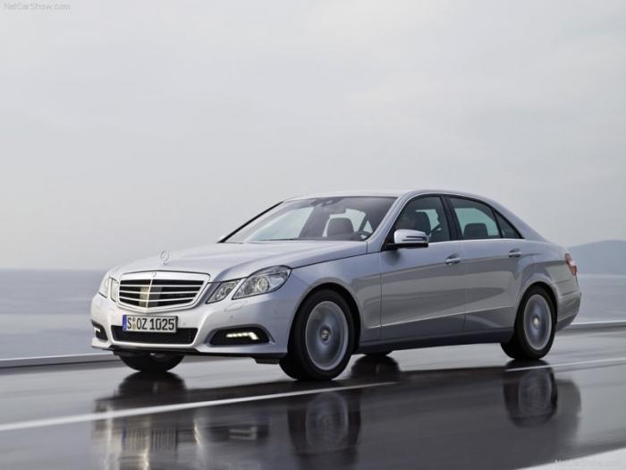 Mercedes-Benz-E-Class_2010_800x600_wallpaper_13