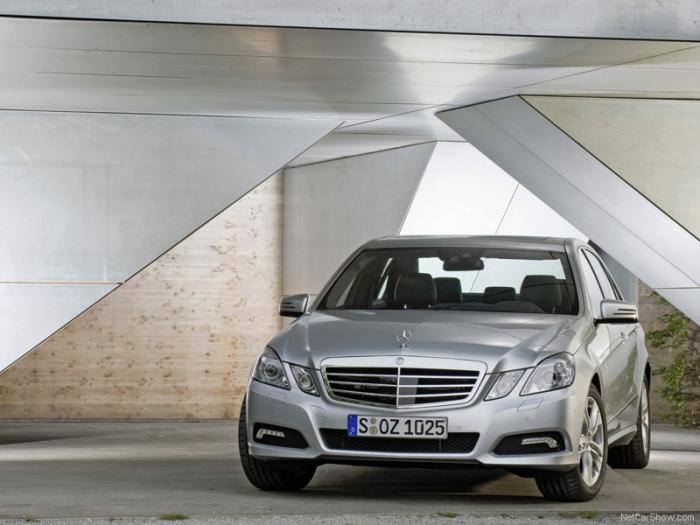 Mercedes-Benz-E-Class_2010_800x600_wallpaper_28