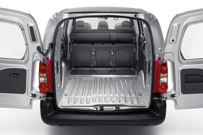Peugeot-Partner-Crew-Van-0017